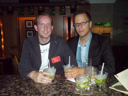 trafficmaxx-Leiter Tobias Ihde (links) versucht seinem Ansprechpartner auf Google-Seite mit allen Tricks geheimnisvolle Informationen zu entlocken.